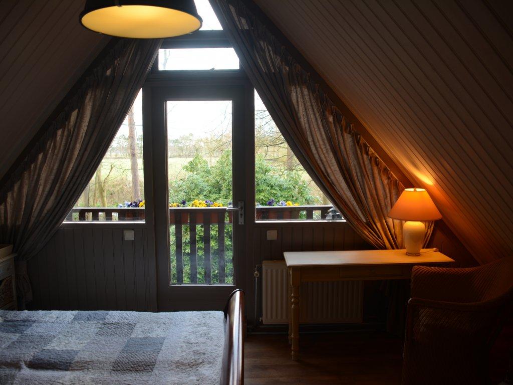 Bedroom 1st floor, with balcony